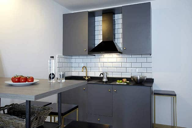 the streets apartments cucina